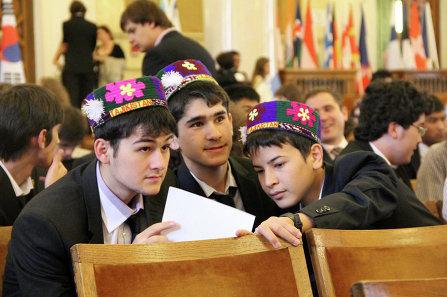 Граждане Таджикистана могут оформлять разрешение на работу на 3 года
