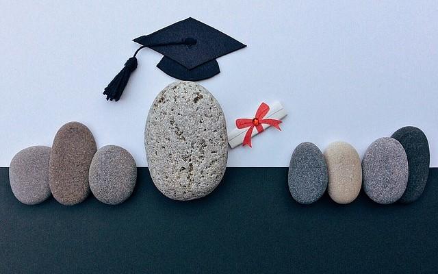 Вакансии для молодых специалистов без опыта работы либо с минимальным стажем, где работодатели отдают предпочтение выпускникам крупных московских вузов
